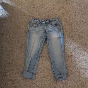 AEO Artist Crop Jeans-lightwash
